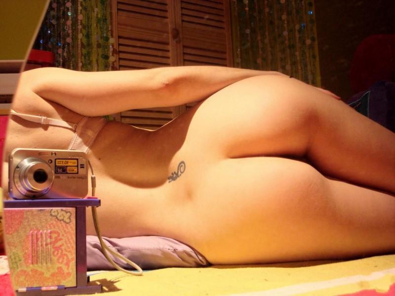 эротические фото фоткают сами себя скуки она