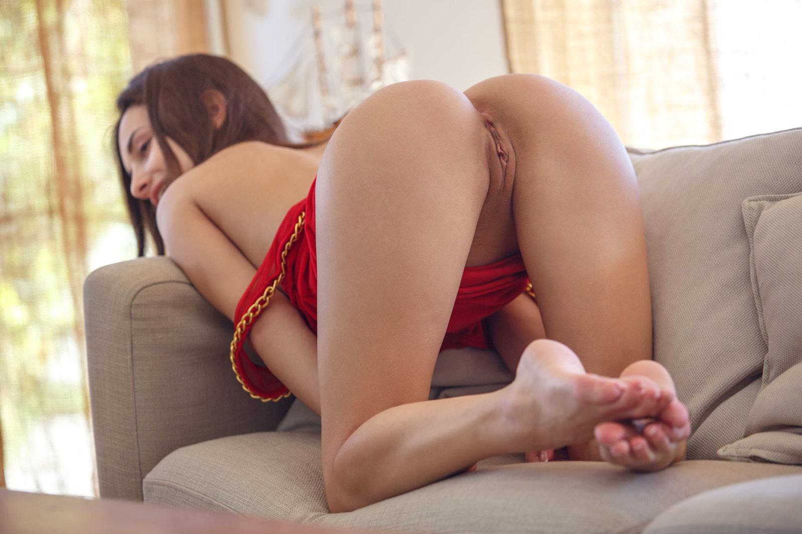 порно онлайн брюнетка красные трусики вам стоит пугаться