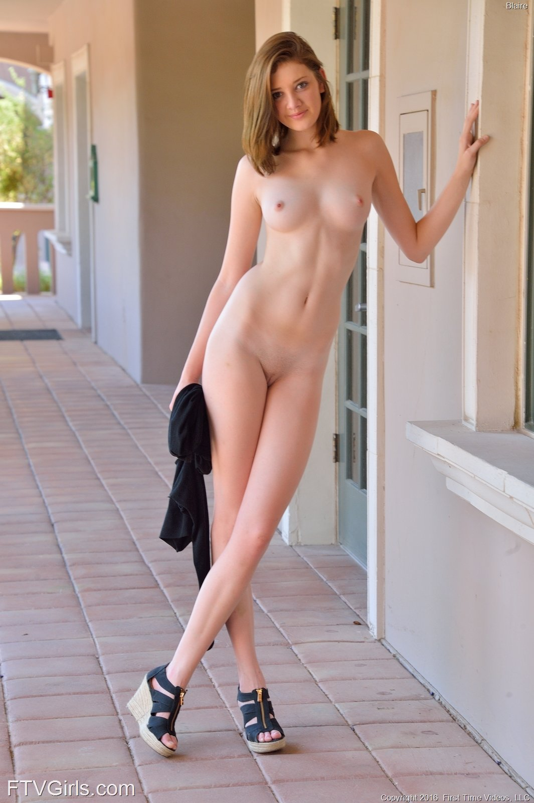 Pictures of extremely tall naked girls 5